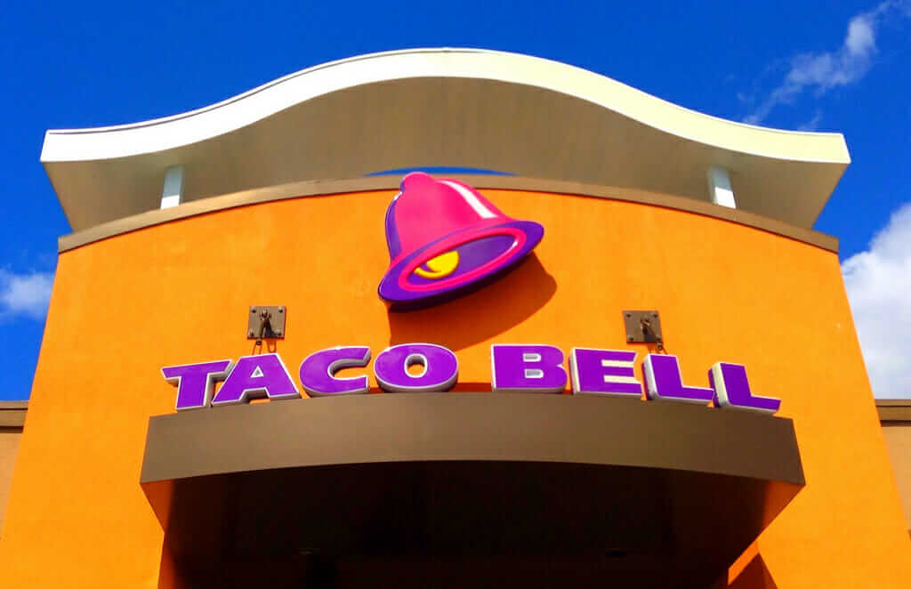Taco Bell vs Del Taco - Pros and Cons of Each Food Chain | Taco Bell | FastFoodMenuPrices.com