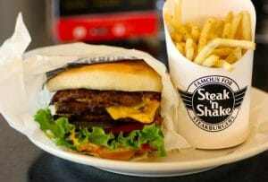 Steak N Shake is one of the fast food restaurants open on Thanksgiving Day