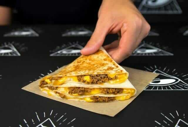 Taco Bell vs Del Taco - Pros and Cons of Each Food Chain | Taco Bell $1 Stacker | FastFoodMenuPrices.com