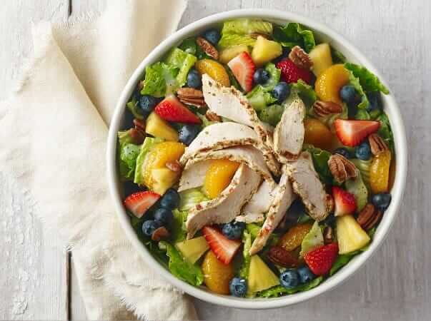 Top 11 Low-Calorie Fast Food Options   Panera Bread Strawberry Poppyseed Chicken Salad   FastFoodMenuPrices.com