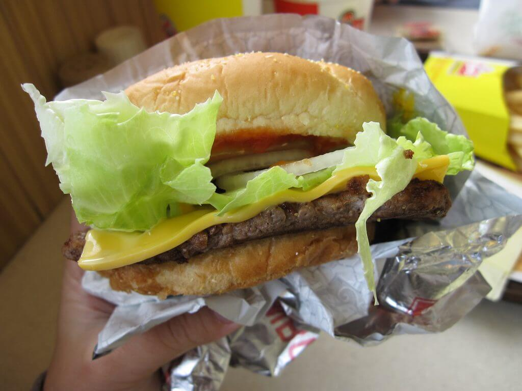 14 of the Best Fast Food Burgers | Wendy's 1/4 LB Single | FastFoodMenuPrices.com